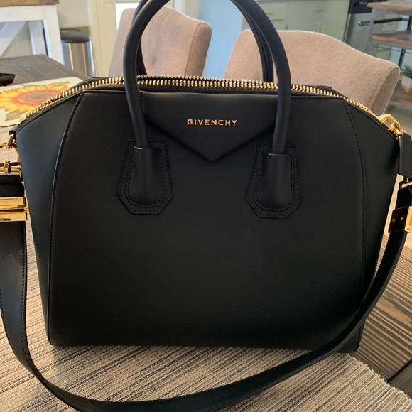 Givenchy Handbags - Givenchy rubber effect Antigona 74a2eec4d9942